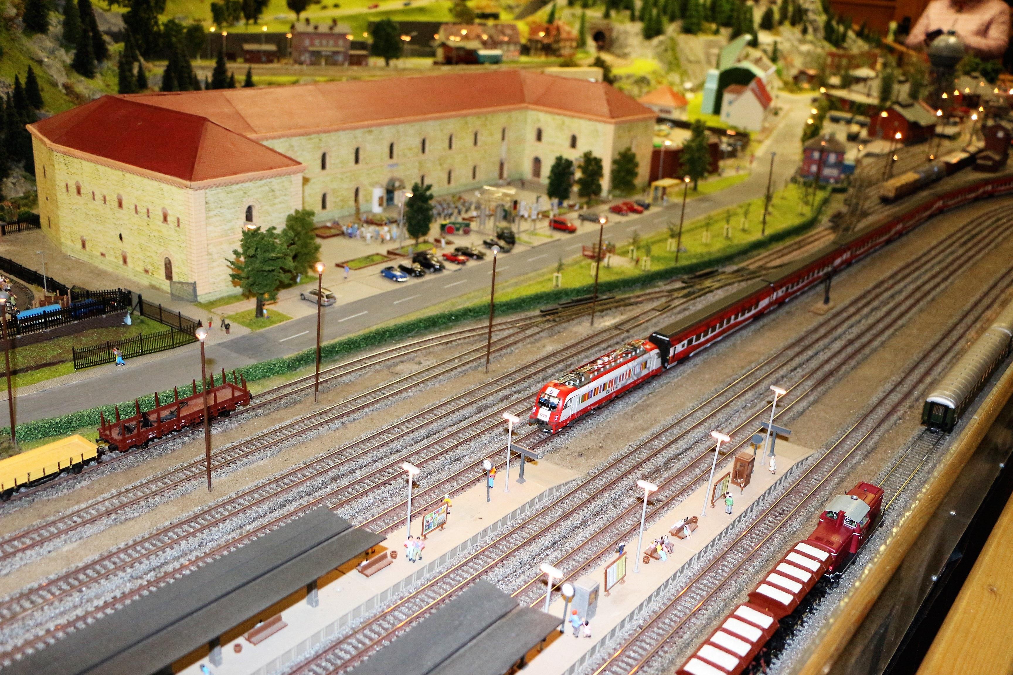 treinen op modelspoorbaan