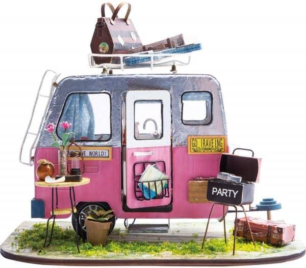 Robotime Vrolijke Camper DGM04 - Houten Modelbouw - Mini Poppenhuis met LED licht - DIY