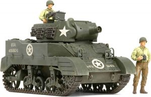 Tamiya US Howitzer Motor Carriage M8 Awaiting Orders with 3 Figures